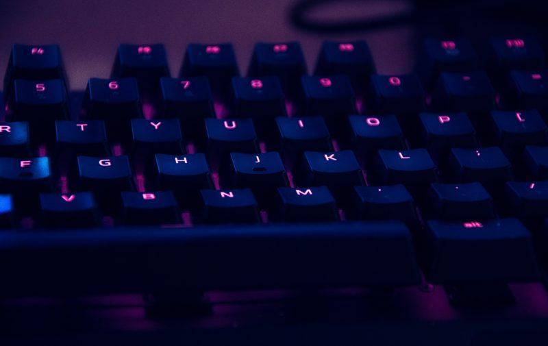 【レビューサイト厳選】ゲーミングキーボードおすすめ10選。FPSやMOBAに最適なキーフィーリングを