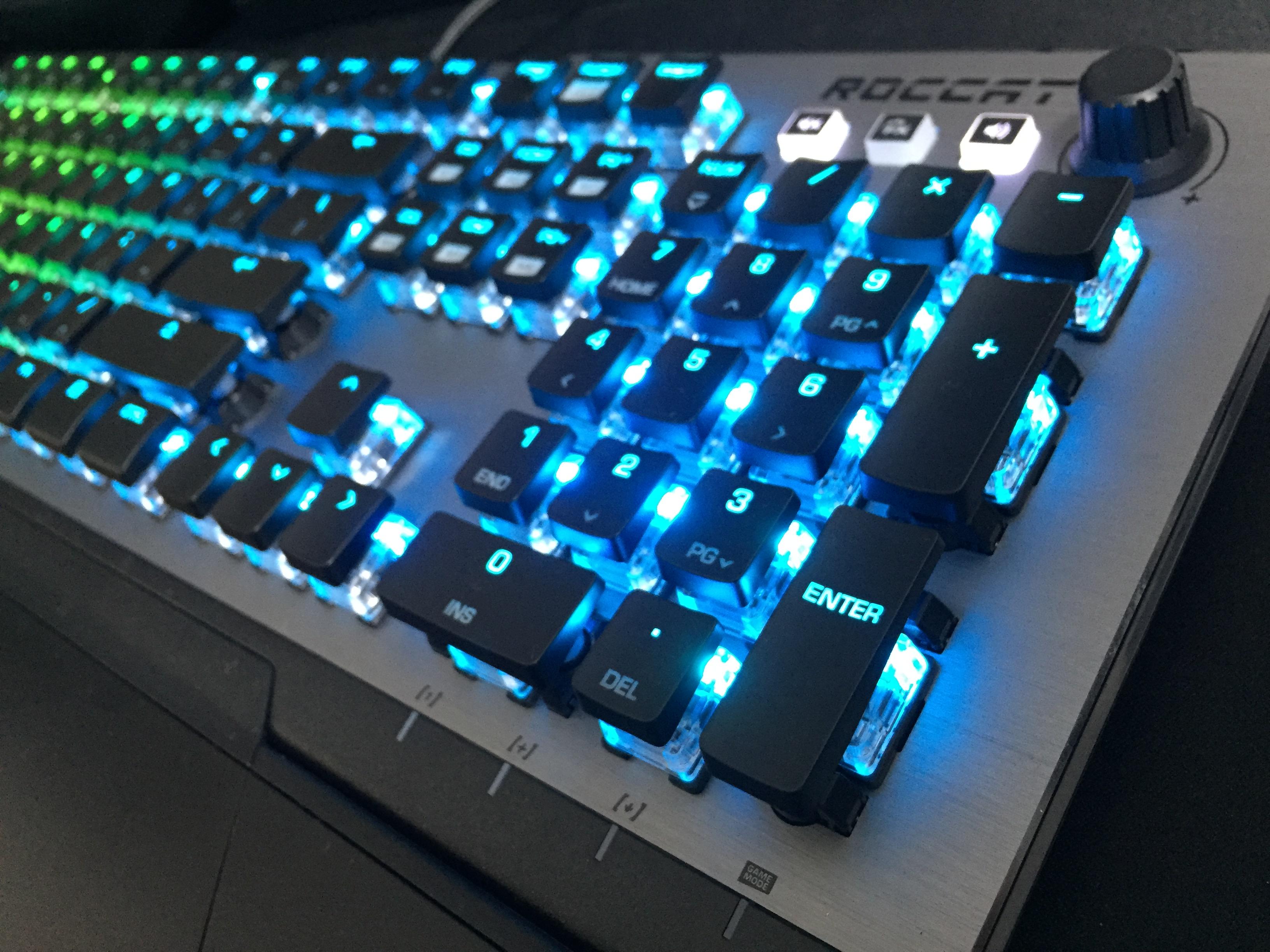 ASUS、USB Type-Cにより幅広い機器へ接続可能なハイレゾ対応ゲーミングヘッドセット「ASUS ROG Delta」発表。12月7日(金)より国内取り扱い開始