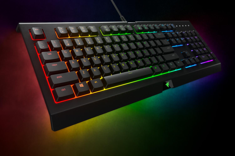 Razer、メンブレンスイッチ採用のエントリー向けゲーミングキーボード「Razer Cynosa Chroma」を2月15日(金)より販売開始。価格は税込9,979円