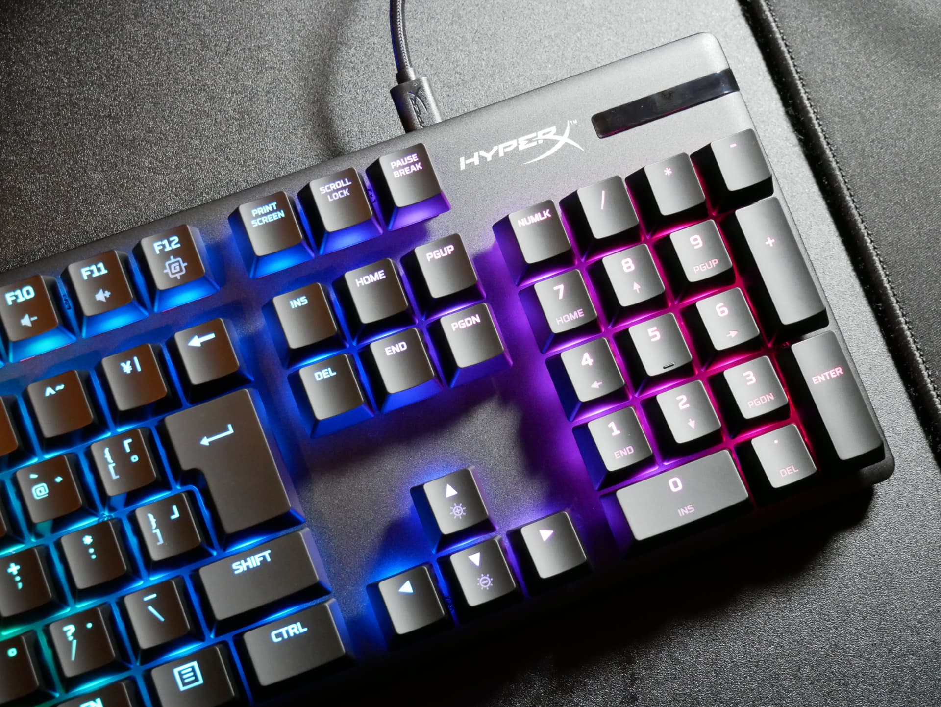 「HyperX Alloy Origins」レビュー。ブランド初の独自開発キースイッチを備えたゲーミングキーボード