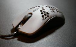 「G-wolves Hati Ht-M」レビュー。サイドの窪みによってフィット感が増したG Pro Wirelessの軽量クローン