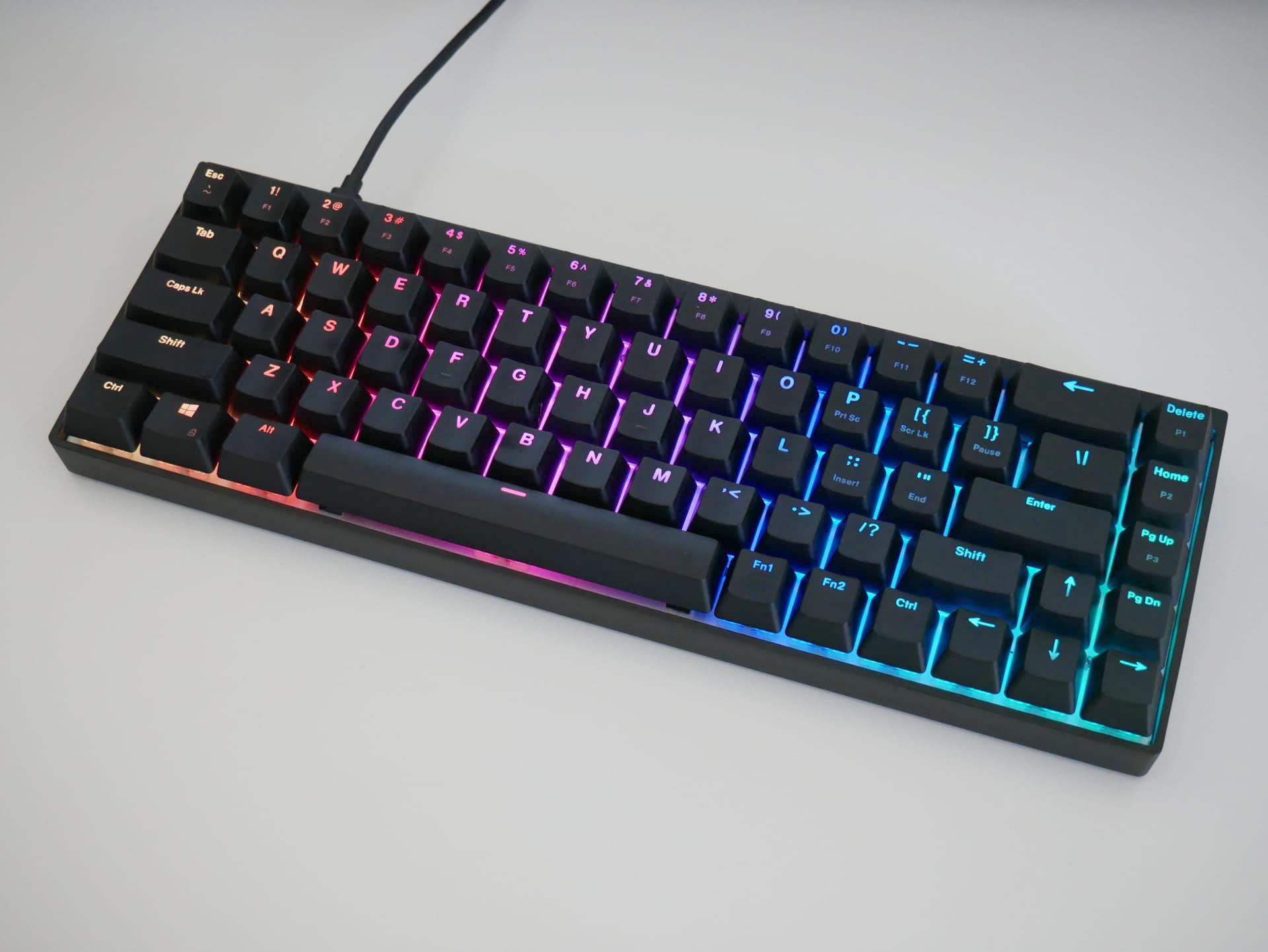 「Durgod Hades 68 RGB」レビュー。アルミフレームの堅固な65%ゲーミングキーボード