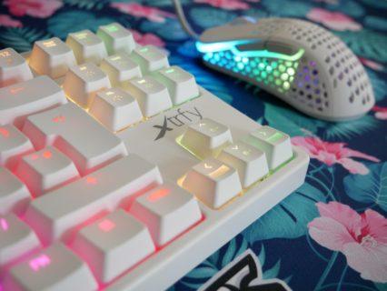 「Xtrfy K4 TKL RGB (White, Retro)」レビュー。一部キーの打鍵感が改良された、珍しい配色のテンキーレスキーボード