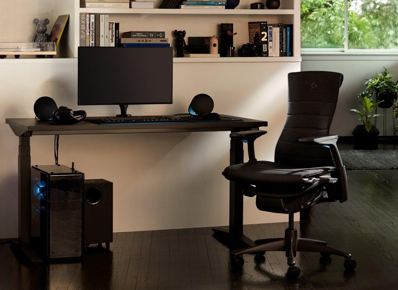 Logitech G、世界的な家具メーカーHerman Millerとコラボレーションした高級ゲーミングチェア・デスクを発売。価格は21万円~