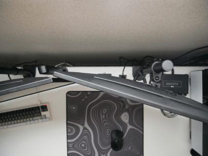 モニターアーム取り付けのネジの規格はM4×10mm、ただし例外もある