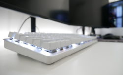 「Razer Pro Type」レビュー。2.4GhzワイヤレスとBluetooth両対応の無線メカニカルキーボード