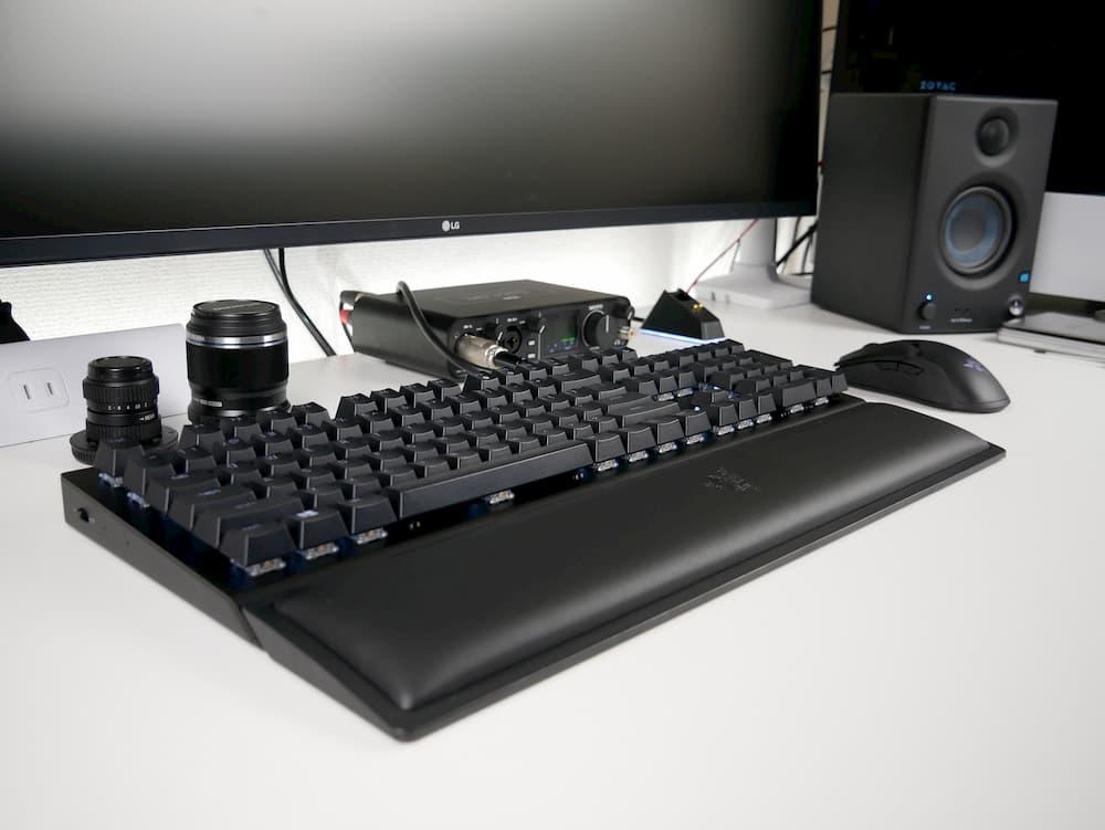 「Razer BlackWidow V3 Pro」レビュー。2.4GHzワイヤレスとBluetooth両対応のハイエンドゲーミングキーボード