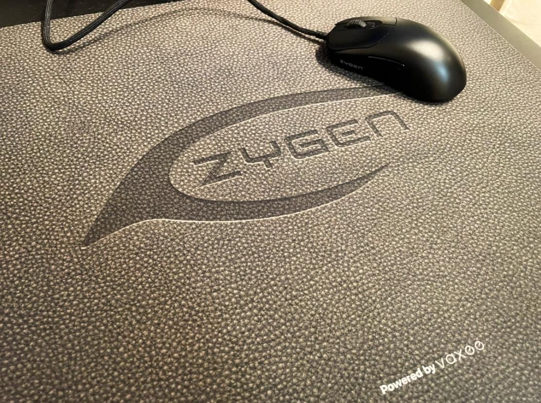 vaxeeとZYGENの新たなコラボレーション製品として布製ゲーミングマウスパッドが登場予定